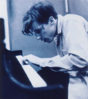 Glenn Gould. Photo by Don Hunstein